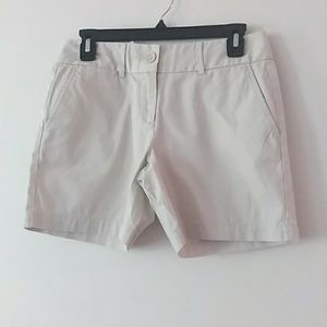 The Loft Riviera Sz 00 khaki Shorts New